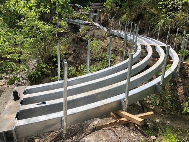 Eine aufwändige Stahlkonstruktion bildet den neuen Zugang zum Imster Steffelwald.