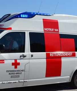 Der verletzte Schüler wurde von der Rettung in das Klinikum Klagenfurt/WS gebracht