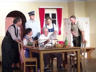 """Im """"Theater in der Tenne"""" spielt vom 26. Mai bis 10. Juni 2018 die Kultur- und Theaterrunde Oberhaag in der aktuellen Produktion den abwechslungsreichen, sehenswerten Schwank """"Die Fischpredigt"""""""