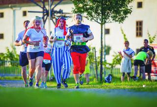 Auch Kostüme sind beim Römerlauf herzlich willkommen.