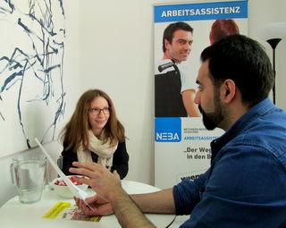 Die Jugendarbeitsassistenz von Wien Work hilft jungen Erwachsenen mit Behinderung oder Lernschwäche bei der Jobsuche.