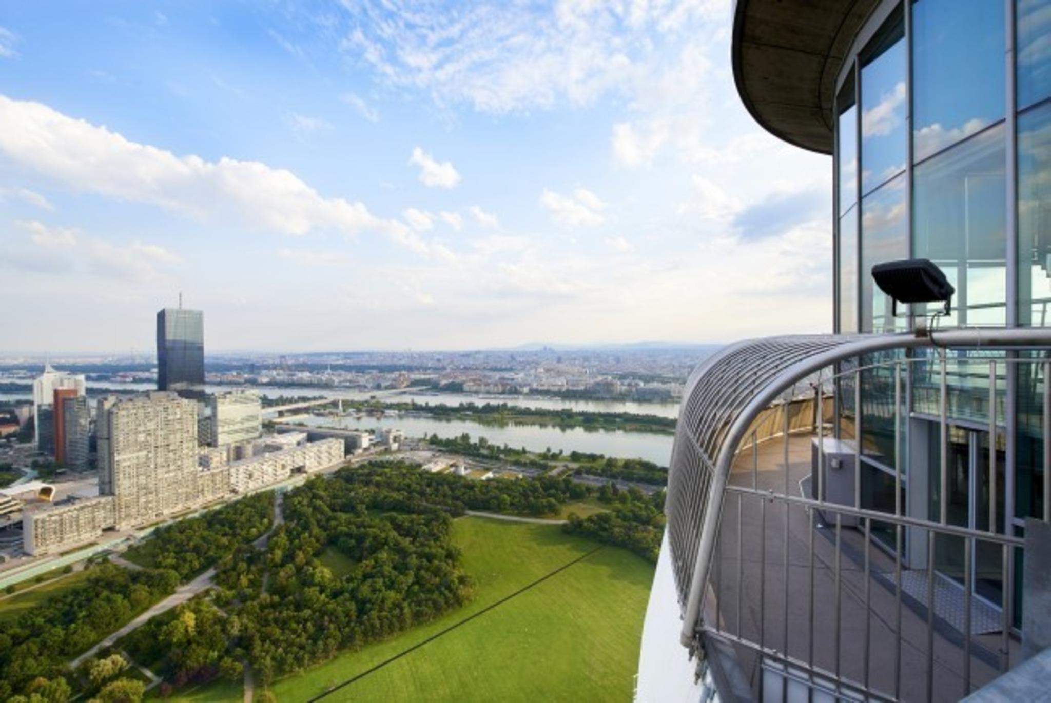 Donauturm Neues Design Und Digitale Spielereien Floridsdorf