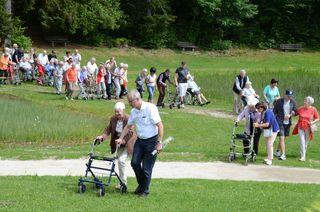 Auch dieses Jahr lud die Gemeinde Schwoich die Bewohnerinnen und Bewohner der beiden Kufsteiner Altenwohnheime Zell und Innpark zu einem kleinen Ausflug.
