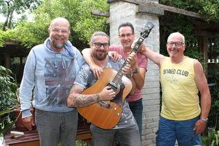 Guitar Lounge: Sigi Treber, Reini Winkler, Walter Lanzinger und Hubsi Warl. Nicht am Bild: Frank Tomassetti