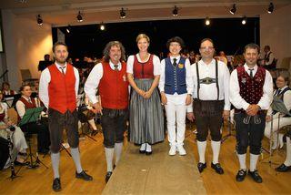 Dirigierten abwechselnd das Bezirksorchester: Johannes Tieber, Walter Shorty Kemmer, Karina Greiner, Tsai-Ju Lee, Willi Berghold und Helmut Rumpf.