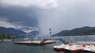 Die Gewitterfront wirkte sehr gezielt am See