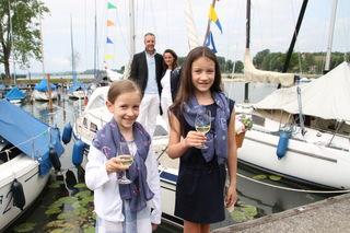 Ihre erste Bootstaufe nahmen Johanna und Franziska vor.