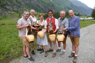 Wolfgang Viertler, Franz Wenger, Brigitta Pallauf, Michael Obermoser, Christian Wörister und Roland Rauch läuteten den Almsommer ein.