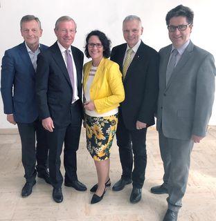 KO-Stv. Hans Scharfetter, Landeshauptmann Wilfried Haslauer mit der wiedergewählten ÖVP-Klubobfrau  Daniela Gutschi, KO-Stv. Josef Schöchl und KO-Stv. und Michael Obermoser.