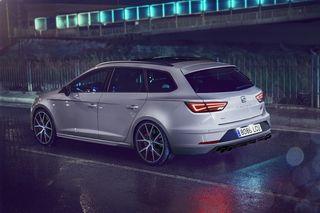 Die limitierte Seat Leon ST Cupra 300 Carbon Edition ist in fünf Farben erhältlich.