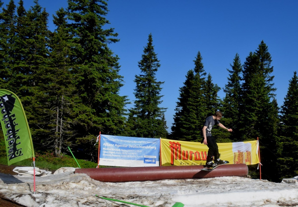 Neighborhood Snowpark Beendete Die Saison Mit Einem Bunten Festival