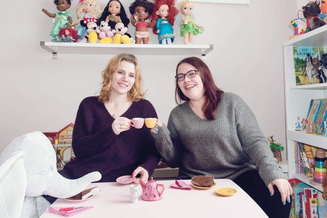"""Ein besonderes Eltern-Kind-Café: An dieser Idee arbeiten Natascha Pössenbacher und Martina Kohlberger (v. l.) seit Anfang des Jahres, die WOCHE berichtete. Nun wird der Indoorspielplatz """"Nimmerland"""" schon Mitte August eröffnen."""