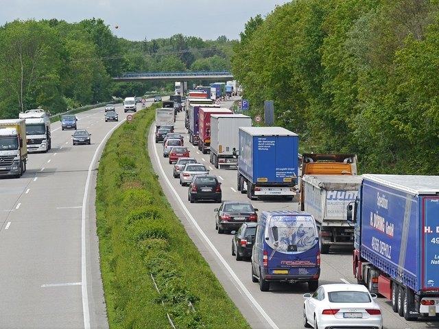 Günther Platter: Weniger Transit braucht noch stärkere Maßnahmen - Zeitplan steht nun fest. Credit: pixabay