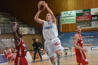 Sebastian Käferle wird auch kommende Saison für Oberwart Körbe werfen.