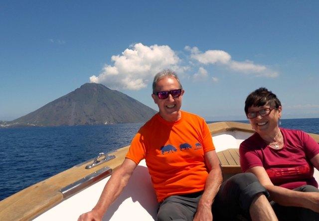 Franz und Gigi Sturmlechner aus Oberndorf an der Melk haben heuer bereits die Insel Stromboli im Mittelmeer bereist.