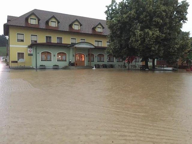 Das Gasthaus Kroboth stand wie der gesamte Limbacher Ortskern erneut unter Wasser.
