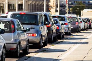 Der Autoverkehr ist der Hauptgrund für die Feinstaubbelastung in Wien. Nun soll eine Petition davor warnen und schützen.