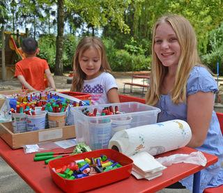 Zwölf bis 18-Jährige haben die Möglichkeit, ehrenamtlich in Kindergärten und anderen Einrichtungen tätig zu werden.