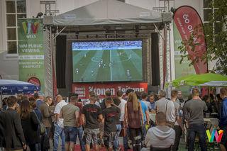 Auftakt zur Fußball-WM: Hunderte Fans waren am 14. Juni 2018 beim Public Viewing am Minoritenplatz.