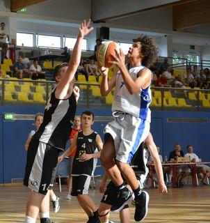 Durch den Sieg im Finalspiel holten die Spieler des FCN Walter Baskets Wels den U14-Staatsmeistertitel.