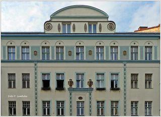 Erbaut von Alfred Nicoladoni, ein Schüler von Otto Wagner.