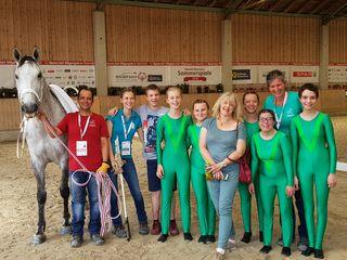 """Im Voltigieren bei den nationalen """"Special Olympics"""" gelangen heimischen Pferdesportlern große Erfolge."""