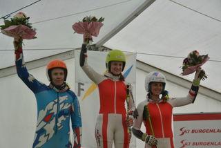 Sieg für Kristin Hetfleisch im Riesentorlauf: Adela Kettnerova, Kristin Hetfleisch und Jacqueline Gerlach