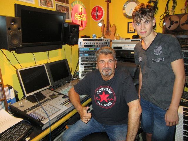 """Georg Ragyoczy und Rapper """"JKY"""" (Jakob Schwarz)"""