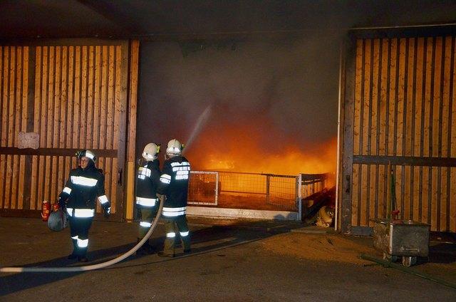 In Münchreith stand ein Stall in Flammen.