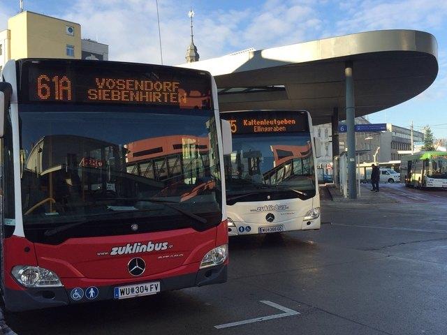 Geht es nach den Neos, sollen in Zukunft verschiedene Busse von einem Knotenpunkt aus sternförmig durch Liesing fahren.