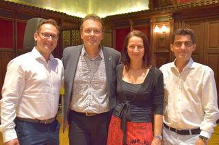 Wolf Frank und Gattin Michaela mit Stadtrat Andreas Minnich und Bürgermeister Christian Gepp.