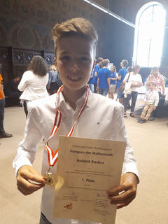 Roland Radics freut sich über seine Auszeichnung.