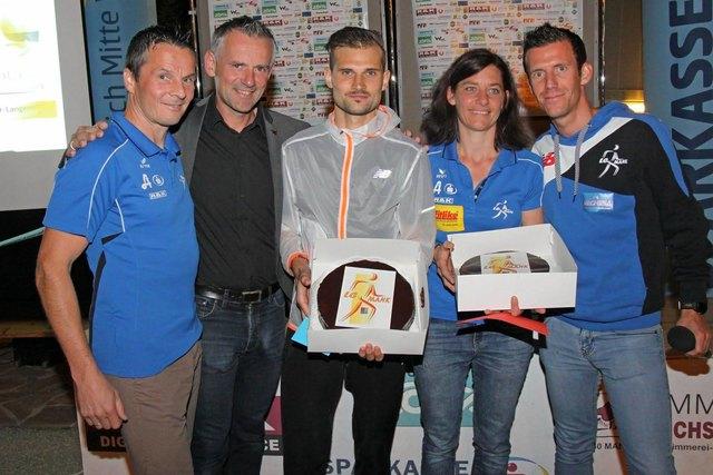 Die Tagessieger Christian Steinhammer und Michaela Zöchbauer mit Andi Pfeffer, Martin Leonhardsberger und Werner Schrittwieser.
