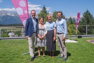 v.r. Martin Hagen (FDP Spitzenkandidat Bayern), Claudia Gamon (NR Abg.), Julia Seidl (stv. Landessprecherin und GR Innsbruck), Dominik Oberhofer (Landessprecher & Klubobmann)