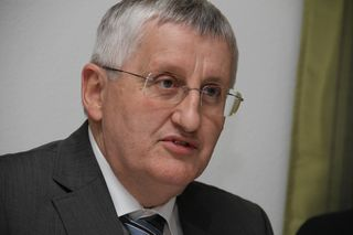 Haupt- und nebenberufliche Bürgermeister sollen gleich viel verdienen, fordert OÖ-Gemeindebundpräsident Hans Hingsamer (ÖVP)