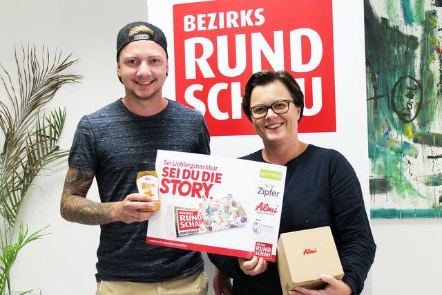 Stephan Mayr und BRS-Redaktionsleiterin Kerstin Müller – der Vorchdorfer und seine Mutter haben gewonnen.