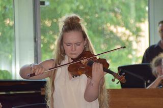 Überragende Solisten und ganz viel Musik wurde bei der Konzertreihe in der Landesmusikschule Landeck geboten. Hier im Bild Vania Oberacher.