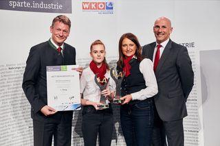 Ausbilder August Greifeneder Alexandra Schneebauer,  Lehrlingsbeauftragte Claudia Mayr und Geschäftsführer Gregor Dietachmayr
