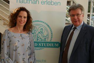 Moderatorin Alice Herzog und Referent Otto Traindl.