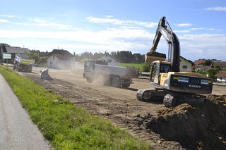 Die Bagger sind bereits am Werk. Eröffnet werden soll der neue Spar in Esternberg im Spätherbst 2018.