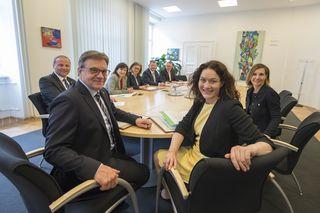 In der heutigen Regierungssitzung wurde unter anderem die Umsetzung des ersten Maßnahmenbündels im Rahmen des Osttirol-Paketes beschlossen.