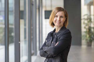 Integrationslandesrätin Gabriele Fischer ruft zur Solidarität und Menschlichkeit auf.