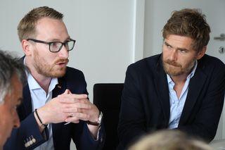 v.l.n.r.: Philip Wohlgemuth und Mag. Benjamin Praxmarer, ÖGB-Landessekretär, bei der gestrigen Präsidiumssitzung