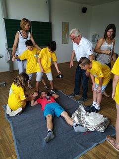 An den Stationen hatten die Kinder praktische Aufgaben zu bewältigen.