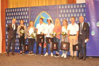 Ehrung für die Sportler mit Michael Huber und Seppi Eberl.