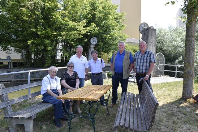 Foto Bürgertreffs v.l. Ludwig Hofinger, Christine Bodlay, Hans Feizlmayr, Erwin Vogl, Seniorenbeirats-Obmann Ing. Oskar Hofmann und Gerhard Hoheneder