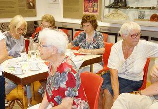 Besondere Erlebnisse und Erinnerungen aus der Schulzeit wurden beim zweiten Erzählcafé im Museum ausgetauscht.
