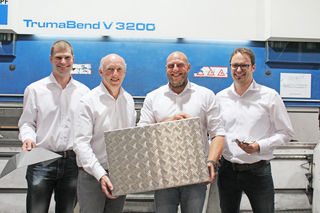 Primatechs Führungsriege (v. li.): Florian Mayr M.Sc. (strat. Einkauf, QM, Entwicklung), Johann Kasper (Geschäftsleitung), Klaus Frühauf (Fertigungsleitung) und Ing. Peter Wundsam (Produktionsleitung).
