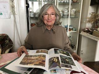 Wilma Lehner-Peterson stellt regelmäßig Informationsblätter aus Bildern, Notizen, Literatur und persönlichen Erinnerungen zusammen.