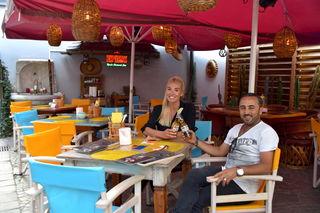 Das Salud bietet neben einem einzigartigen Ambiente und einer neuen Speisekarte auch frisch zubereitete Cocktails an, welche von 17-20 Uhr & 23-01 Uhr in der Happy Hour zu Top-Preisen angeboten werden
